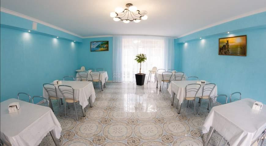 Отель с питанием в кафе, Песчаное
